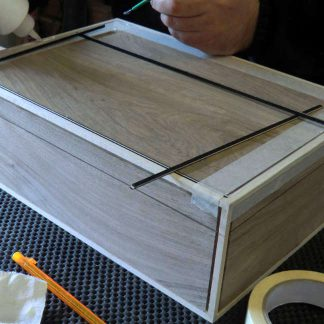 Making Fine Boxes by Gluing Inlay Lines